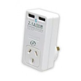 Sansai Surge protected power adapter with 2 USB (2.1A Rapid Char